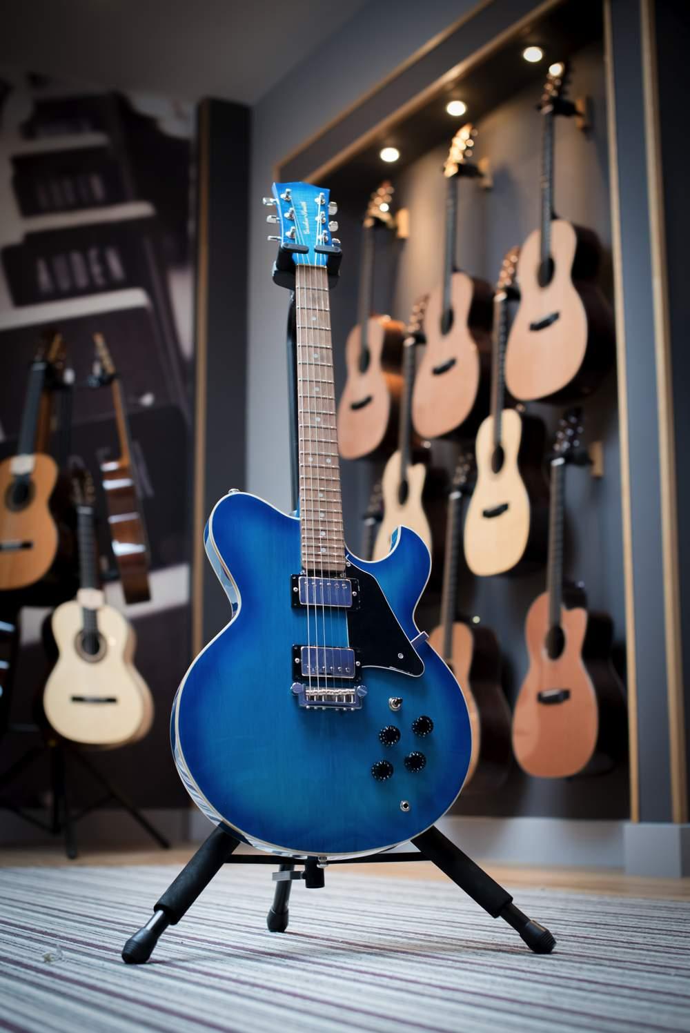 Gordon smith guitars dating service