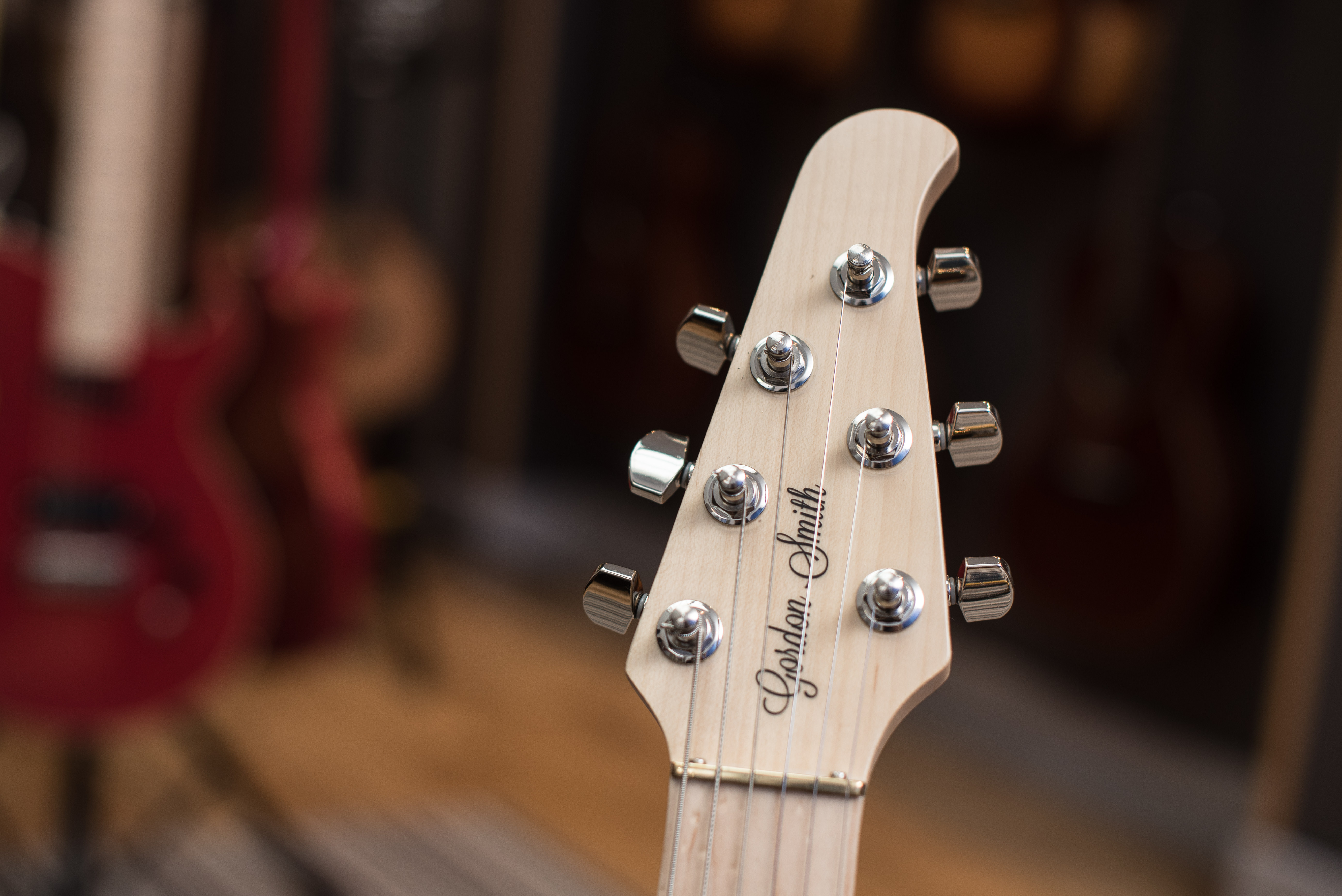 How much is your guitar worth -- Find date and value. (Guitarsite)