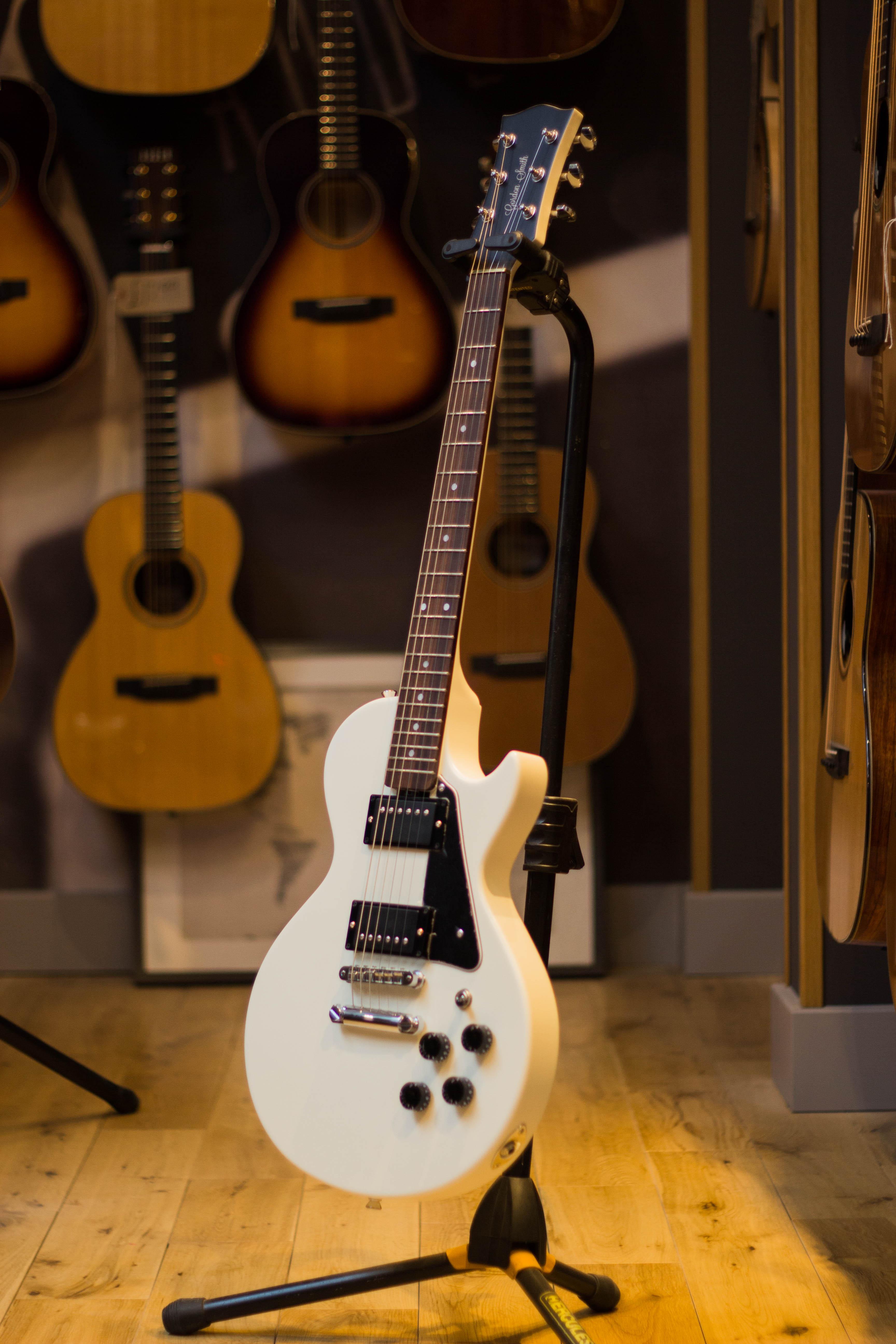 gordon smith guitars dating services