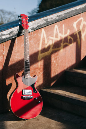 GS1000 - Red - Gordon Smith Guitars