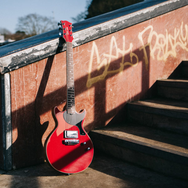 GS1000 - Red - Gordon Smith Guitars