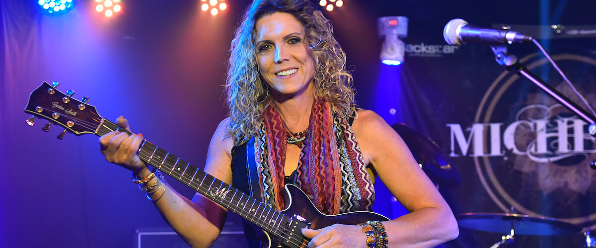 Michelle Taylor plays Gordon Smith guitars