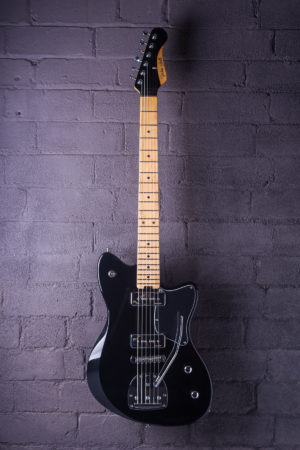 Gatsby electric guitar from Gordon Smith - Jet Black - Front