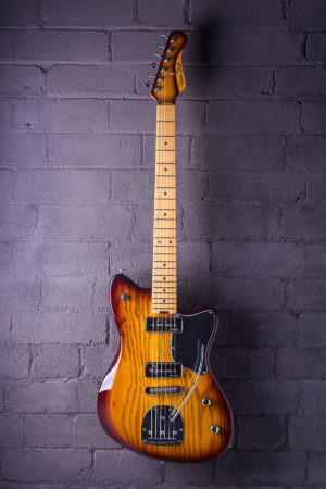 Gatsby electric guitar from Gordon Smith - Tobacco Burst - Front